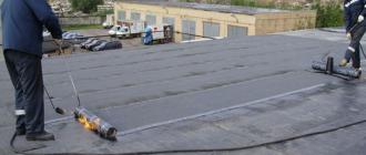 Чем крепить рубероид к деревянной крыше?
